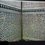 Arabesque murale présentée par M. Thalal (photo : Nour-Eddine Beradai)