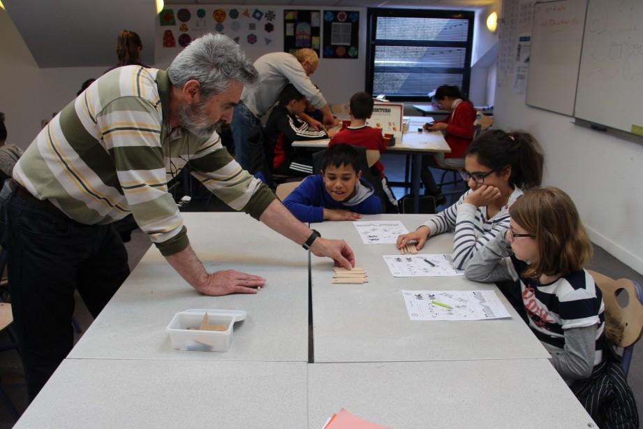 Primaires et collégiens s'amusent avec les maths