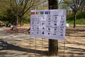 Les enfants (et les adultes) peuvent désigner les futurs jeux installés dans le parc. (photo : BB).