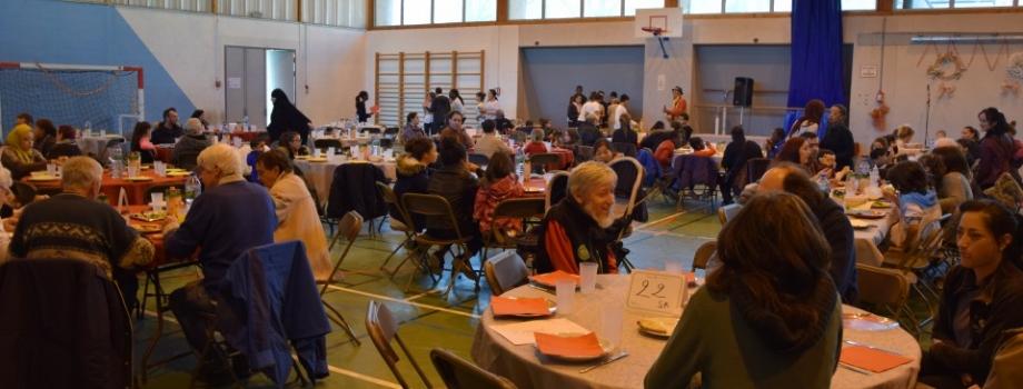 Repas spectacle des mille couleurs : les photos