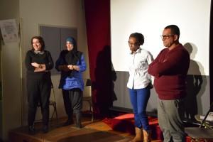 Les comédiens d'Et alors à l'école, ça va ? De gauche à droite Samia  Mihoubi, Soraya Guebbadj, Edith Ramanou et Farid Senina. (photo : BB, Le Crieur de la Villeneuve)