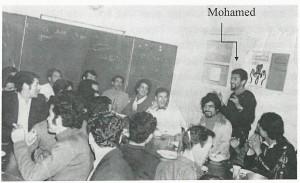Mohamed lors d'un conseil de foyer. (photo : image extraite de sa biographie Le Chemin de ma vie, droits réservés)