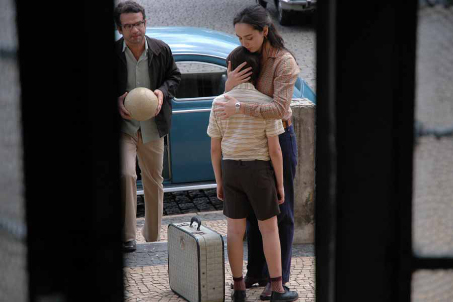 Le film L'Année où mes parents sont partis en vacances sera projeté lundi 23 avril, à 20 heures. (photo : image extraite du film)