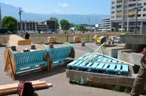Un banc à bascule a été construit. (photo : Lucie Hemond, Le Crieur de la Villeneuve)