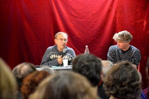 Gérard Noiriel, mercredi 21 novembre, à l'occasion d'une conférence pour la publication de son nouvel ouvrage Une histoire populaire de la France. (photo : BB, Le Crieur de la Villeneuve)